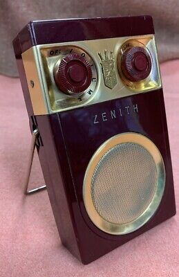 Red Zenith Royal 500 vintage collectable old AM transistor Early radio