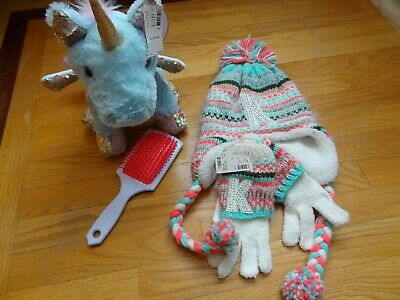 Justice set of 4 Girls Winter Hat w/ gloves ,brush ans unicorn toy one size