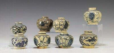 Lot of Antique Chinese Blue White Jars Jarlets - Ming Dynasty