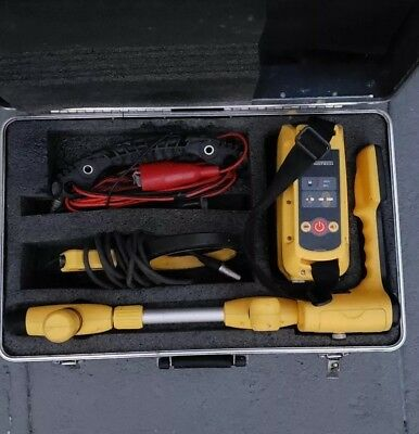Metrotech Vivax VM810 Locator and Transmitter Cable / Pipe Locator