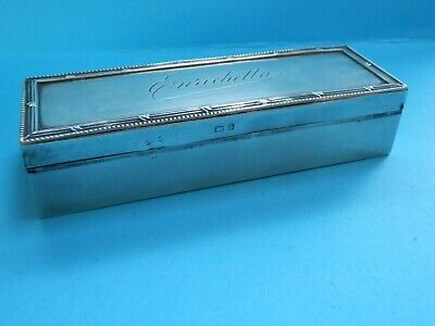 A very nice early 20thc Edwardian era English solid silver fancy table snuff box