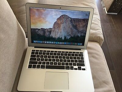 "Apple MacBook Air 13.3"" 1.6GHz i5 / 8GB / 250GB   2015 with AppleCare"