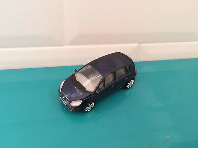 13.01.19.6 voiture miniature UH 3 inches renault toys scenic 2003