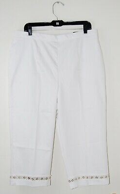 dc82a431340 NWT Alfred Dunner Women s Plus White Classic Fit Embellished Capri Pants