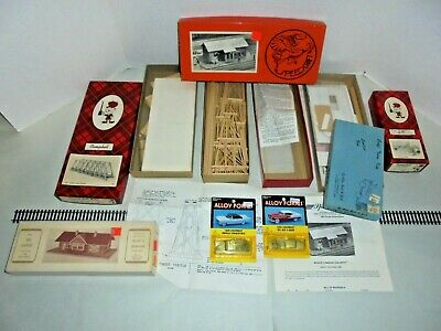Ho Scale Wooden Kit Houses Campbell And Others Six Kits Plus Two Cars
