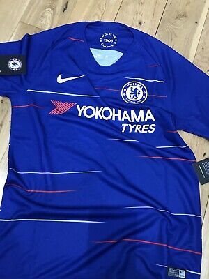 NEW Chelsea FOOTBALL Home Shirt 2018/19 MENS Size M With Tags