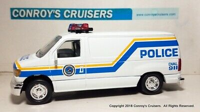 Road Champs 1/43rd scale Philadelphia, PA Police Ford Econoline Van (LOOSE)