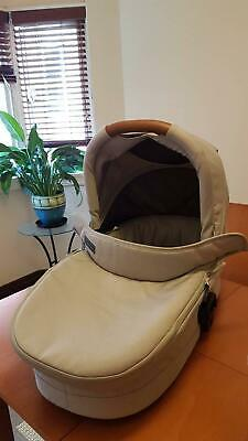 Redsbaby bassinet