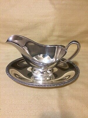 vintage silverplate Gravy boat/attached tray, Wm Rogers Avon