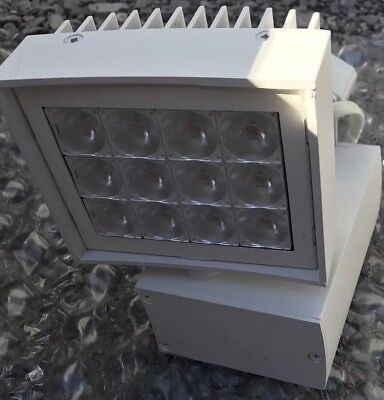 *NEW* AMERLUX CNTRY44 .32 TRACK MOUNTED L.E.D. 3000K FLOOD LIGHTS and theres 4!