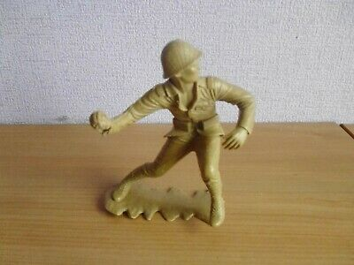 Vintage plastic toy soldiers 1960's 6 inch Marx Japanese grenade thrower