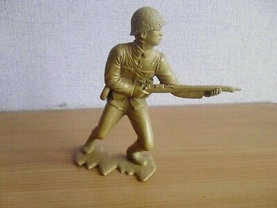 Vintage plastix toy soldiers 6 inch, Marx Japanese attacking