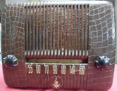 Vintage 1947 Emerson Model 59-A 4 Tube Portable AM Radio Works!