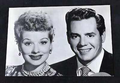 I LOVE LUCY LUCILLE BALL LUCY AND RICKY POSTCARD CLASSIC UNUSED 1993 CBS Inc