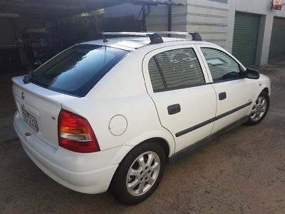 ☆Holden Astra 2005 white hatchback 5 speed manual. Excellent condition☆