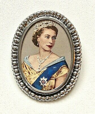 Vintage 1953 Queen Elizabeth Coronation Picture Oval Chrome Brooch in gift box
