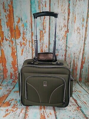 b46290af742b TravelPro Walkabout 3 Lite Carry on Case Luggage Tote Flight Crew Rolling  Olive