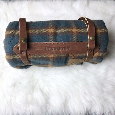 NEW Pendleton Plaid Fringe  Motor Robe W Leather Carrier Picnic Throw