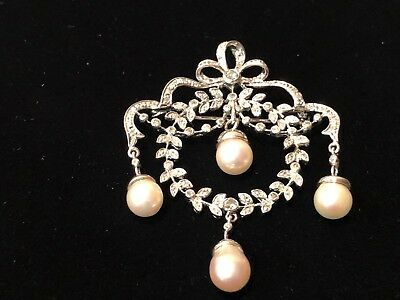 Beautiful Vintage Pearl and Diamond Brooch/Pin/Pendant with 14K White Gold