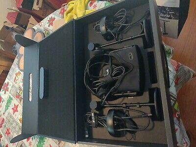 Oculus Rift VR Headset with Touch Controllers in Original Box, great condition
