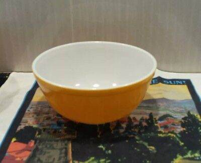 Vintage Retro Pyrex Yellow 403 2.5 Quart Oven-proof Mixing Bowl Made in USA VGC