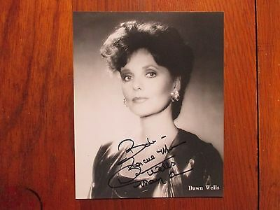 """DAWN WELLS (""""Mary Ann/Gilligan's Island"""")Signed  8 x 10  Black and White  Photo"""