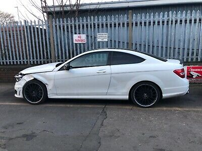 2012 Mercedes C63 Amg Coupe In White ** Damaged ** Salvage ** L@@K **