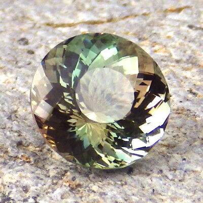 Vert Dichroïque Oregon Sunstone 3,26 CT Flawless-From Pana Mine-For Haut Bijoux