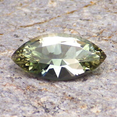 GREEN OREGON SUNSTONE 3.66Ct FLAWLESS-RARE NATURAL COLOR-FROM PANA MINE