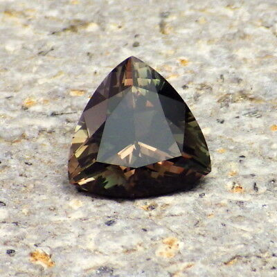 CHROME GREEN-TEAL-COPPER RED OREGON SUNSTONE 1.66Ct FLAWLESS-VERY UNIQUE COLOR