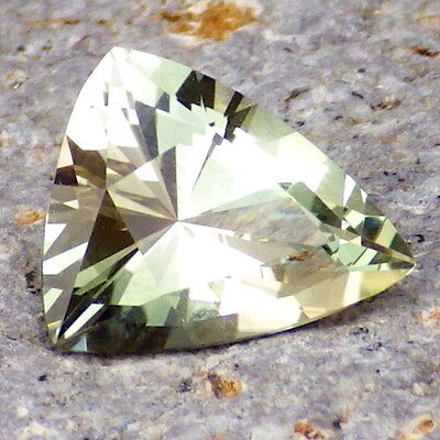 GREENISH OREGON SUNSTONE 2.53Ct FLAWLESS-BEAUTIFUL NATURAL COLOR-FOR JEWELRY