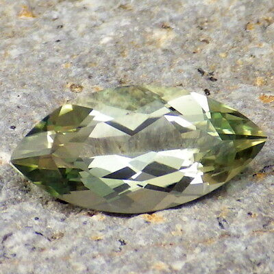 GREEN DICHROIC OREGON SUNSTONE 2.55CtFLAWLESS-FROM PANA MINE-FOR HIGH-END JEWELR