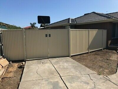 STRATCO COLOURBOND DOUBLE gate and fencing