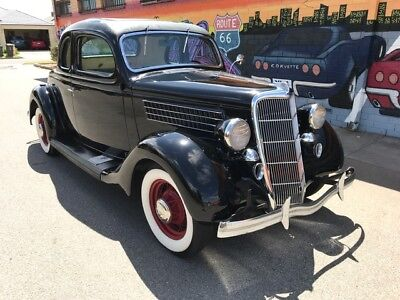 1935 Ford Coupe V-8