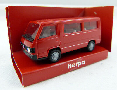Herpa Mercedes Benz Vito Bus Rot in OVP