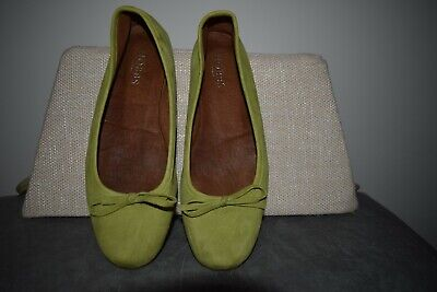 5cb5d3dc53a HOBBS Prior Ballerina Lime green leather pumps flat shoes size 39   6 Ladies
