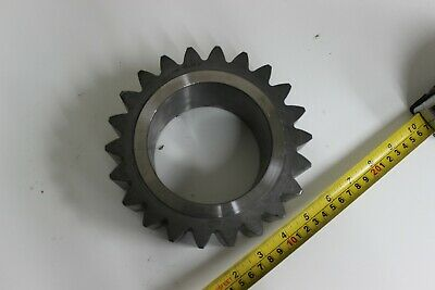 John Deere YZ121982 Planet Pinion New Genuine