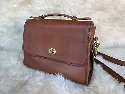 Vintage COACH Court Bag 9870 Made In USA Classic Leather Turnlock Flap  CROSSBODY 9487cf2560bbd