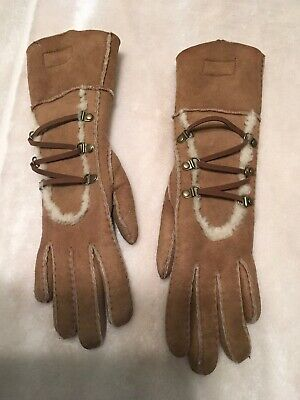 ladies Uggs Gloves, Size Small, Pre Own