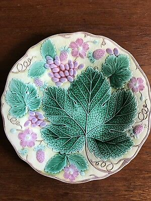 "Antique Collectable Wedgwood Majolica ""Grape Leaf And Strawberry"" Plate 1929"