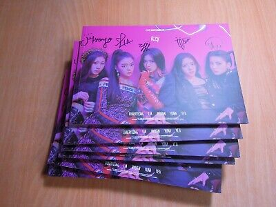 ITZY - DALLA DALLA (Digital Single) with Autographed (Signed) 149.99