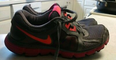 Women s Gray Pink  Nike  Dual Fusion St 2 Athletic Running ... 187b19a57