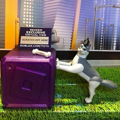 Roblox Wolves' Life 3 Pup Cub Wolf Celebrity Gold PURPLE Series 3 Blind Box+Code