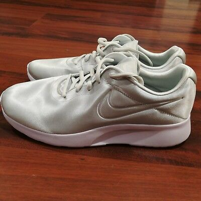 79239bc54ca6 Nike Tanjun Premium Womens Satin Athletic Sneaker Shoes Pale Green Size 9.5  NEW