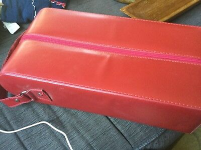 Choice of black or red leatherette 2 wine bottle carrier 38x18.5x9.5cm Near new