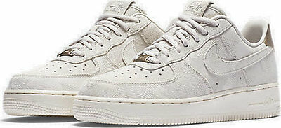 Women's Nike Air Force 1 07 Suede shoe in Grey 818595 002