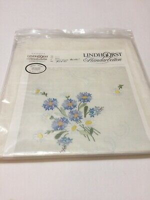 "Lindhorst Tablecloth Embroidery Stamped Floral Daisies 40"" X 40"" Germany"