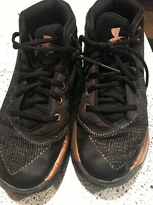 new style 5023f d8314 UNDER ARMOUR UA CURRY 3 Basketball Shoes, BOYS Size 2 Black And Gold