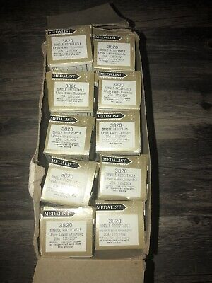 Slater Medalist 3820 Single Receptacle 3P 4W 20A 125/250V (Lot Of 10)