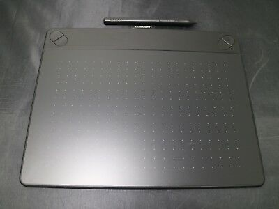 Wacom Intuos art pen and Touch MEDIUM BLACK Tablet CTH-690K *Tablet and pen ONLY